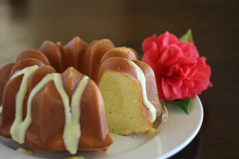 Mexican Mango Cake Recipe by Ceja Vineyards